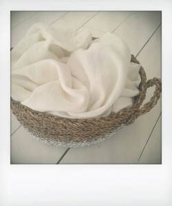 Momo-sheet-white
