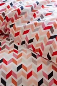 Zigzag-red-AUP-vj14-02